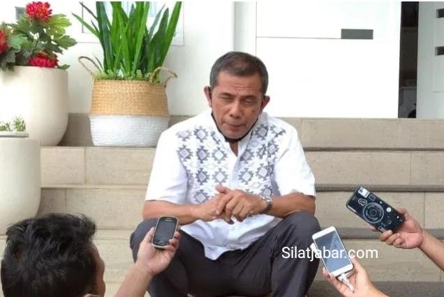 Walikota Cimahi Ajay Muhamad Priatna, saat di kediaman. Minggu (03/05) (Foto/ Istimewa )